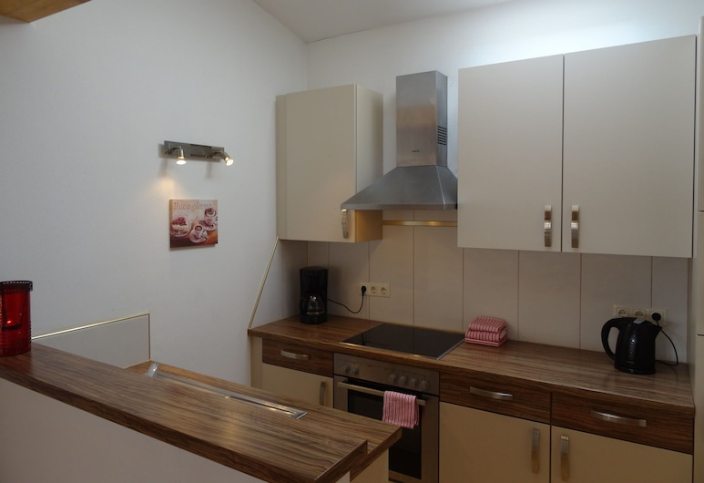Lovely Apartment With Balcony, Terrace, Heating, Parking, Sankt Margarethen im Lungau