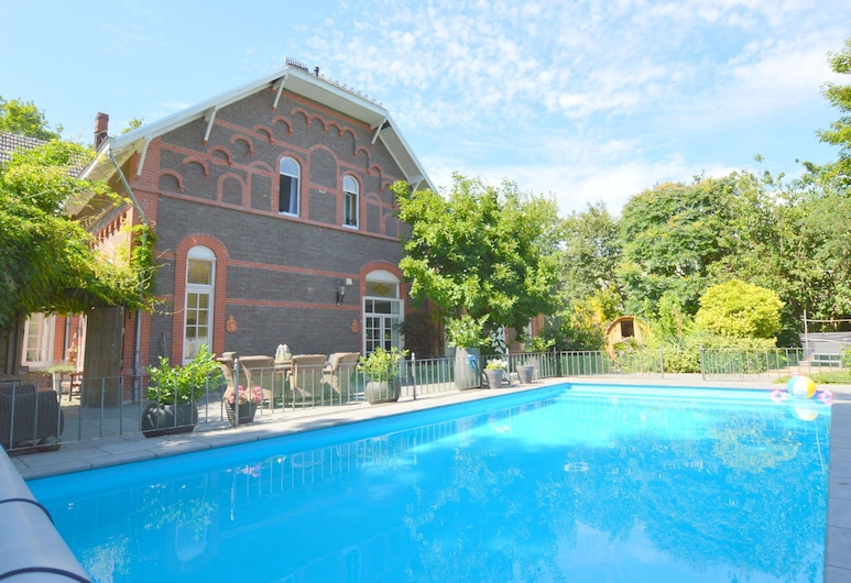 Opulent Villa With Sauna, Jacuzzi & Pool, Tegelen, Exterior