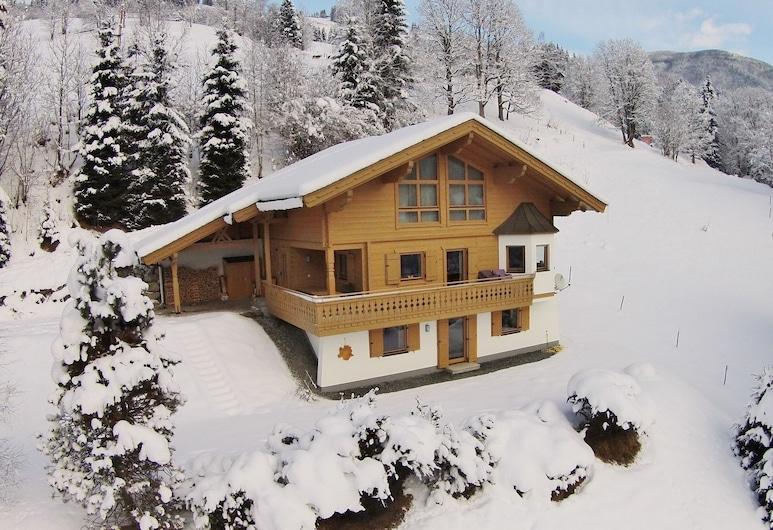 Luxurious Chalet in Saalbach-hinterglemm Near Ski Area, Viehhofen