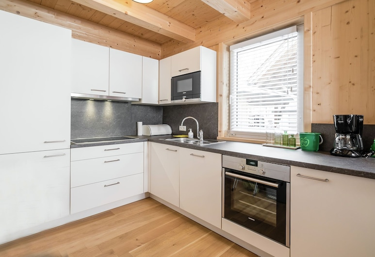 Cozy Holiday Home in Salzburg With Mountain View, Sankt Michael im Lungau