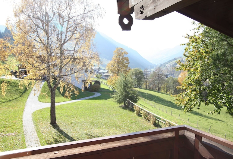 Peaceful Apartment in Hinterglemm With Camping Cot, Saalbach-Hinterglemm