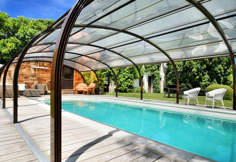 Magnificent Holiday Home in Baronville With Heated Pool & Billiards, Beauraing, Pool