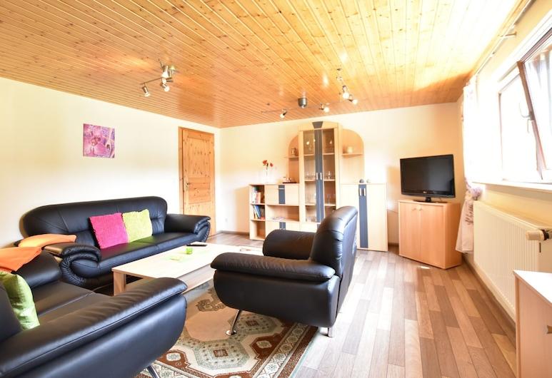 Simplistic Apartment in Boltenhagen Near Sea, Boltenhagen, Huoneisto, Olohuone