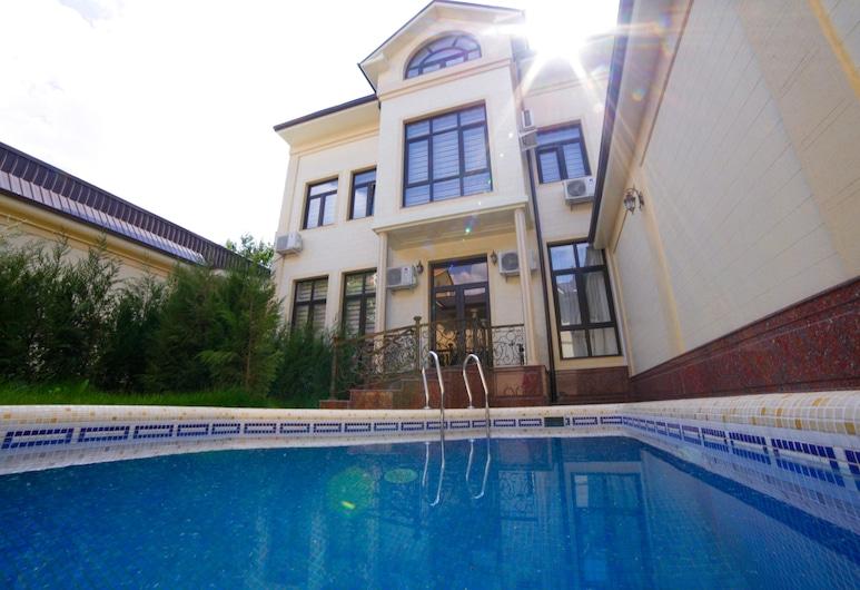 Alliance Hotel, Tashkent, Piscina al aire libre
