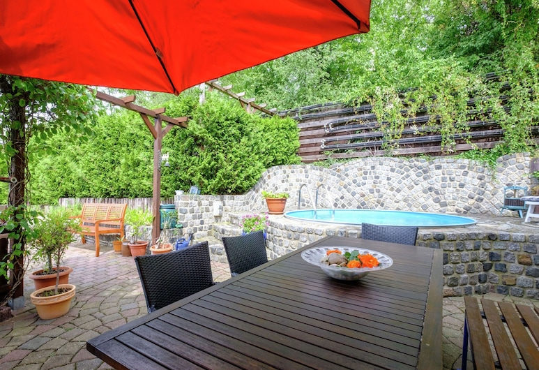 Welcoming Holiday Home in Gernrode With Garden, Quedlinburg, Talo, Parveke