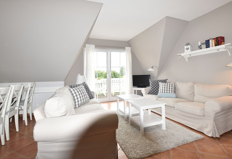 Large, Comfortable Apartment by the sea, Bastorf, House, Living Room