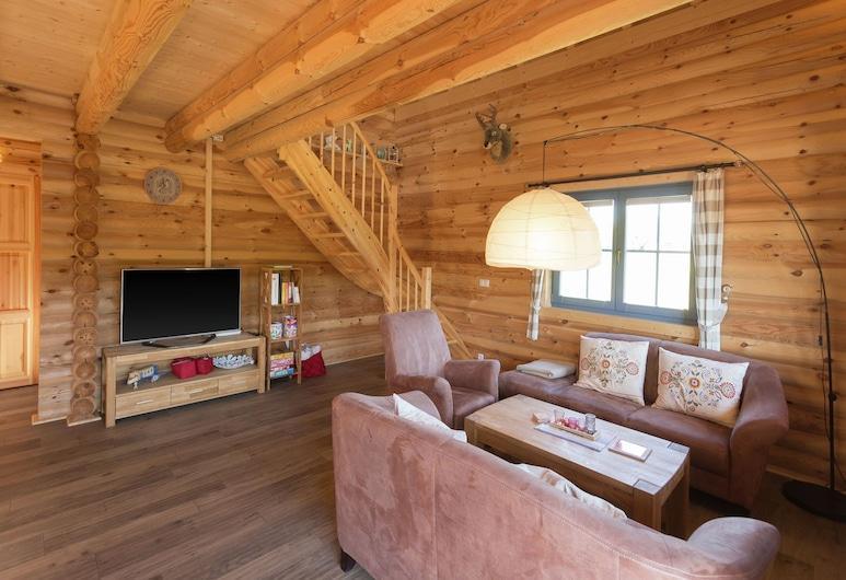 Unique Wooden Holiday Home in the Beautiful Sauerland With Garden, Terrace, Sauna, Medebach, Ruang Keluarga