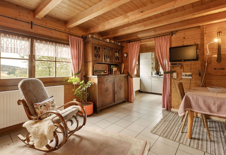 Spacious Chalet in Hinterrod Thuringia With Sauna, Eisfeld, Soggiorno