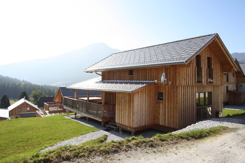 Cosy Chalet in Hohentauern Near Skiing Area