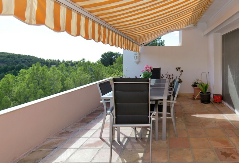 Fantastic Apartment on the Golf Course, Large Terrace and Communal Swimming Pool, Altea