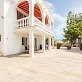 Gorgeous Villa With Private Swimming Pool in Algarrobo-costa