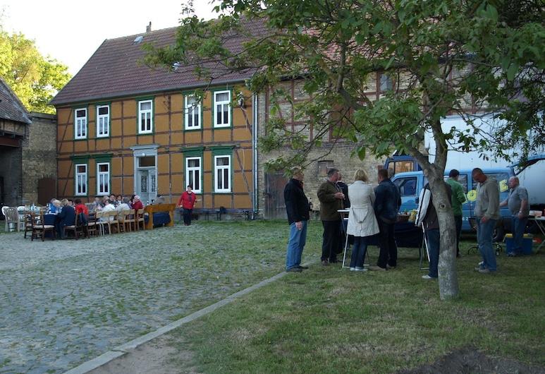 ที่พักสำหรับหมู่คณะที่สวยงามในบ้านกึ่งบ้านไม้แบบฮาร์ซที่บูรณะใหม่ในฮึทเทินโรเดอ, Blankenburg, สวน