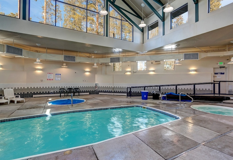 #1712 Great Central Location to Summit County ski Areas. Fantastic Clubhouse. Swimming Pool, Silverthorne, Zwembad