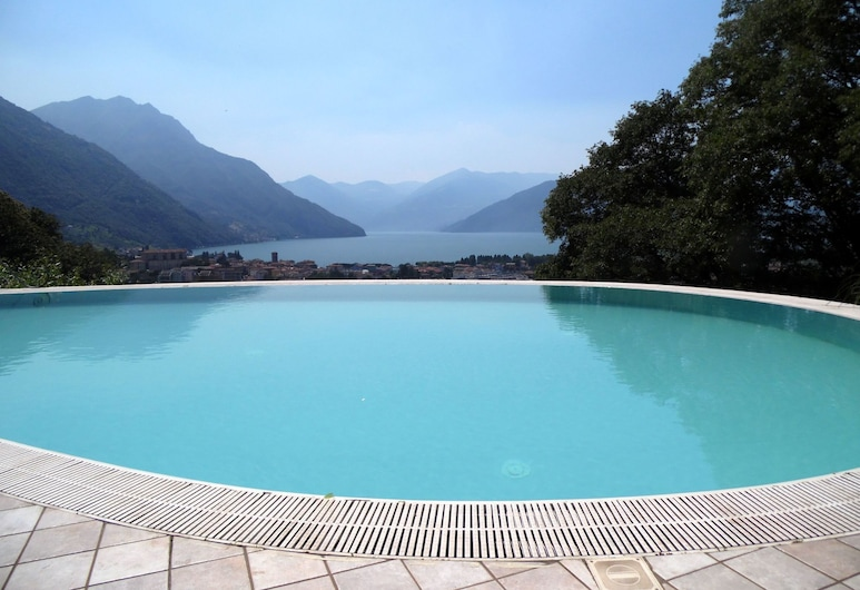 Apartment in 2-floor Villa With Swimming Pool, Equipped Garden and Lake View, Pisogne, Piscina