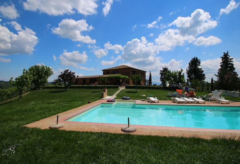 360 Degree View Over the Tuscan Hills, Buonconvento, Pool