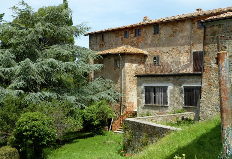 Organic Farmhouse Complex With Swimming Pool and Splendid Views, Volterra, Garden
