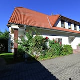 Inviting Apartment in Eimelrod With Garden