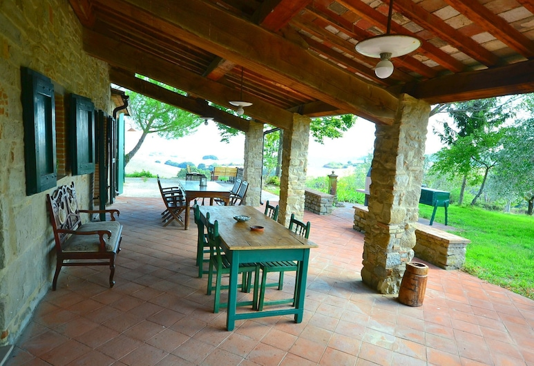 Spacious Holiday Home in Chianni With Private Swimming Pool, Chianni, Hus, Altan