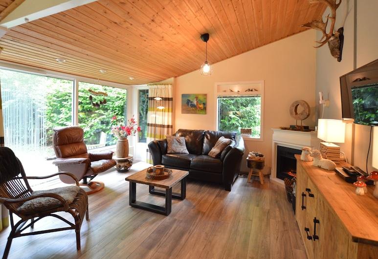 Pitoresk Cottage on Park Hunzebergen With Lots of Space and Privacy, Exloo, Dzīvojamā istaba