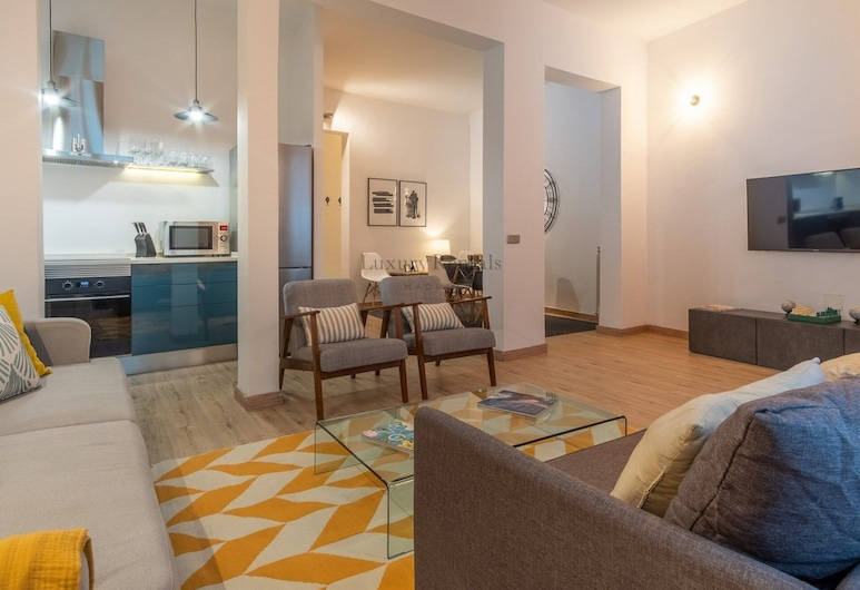 Plaza de España, Madrid, Apartment, 2 Bedrooms, Living Area