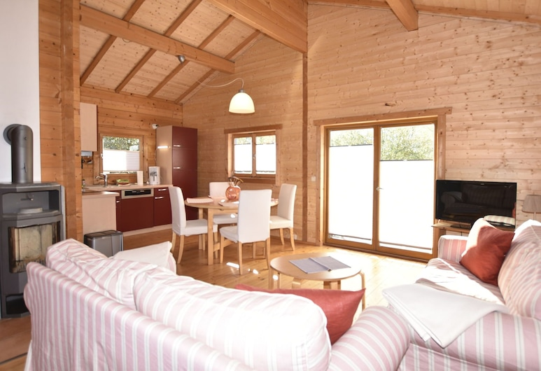 Lovely Holiday Home in Kropelin With Sauna, Kroepelin, House, Living Room