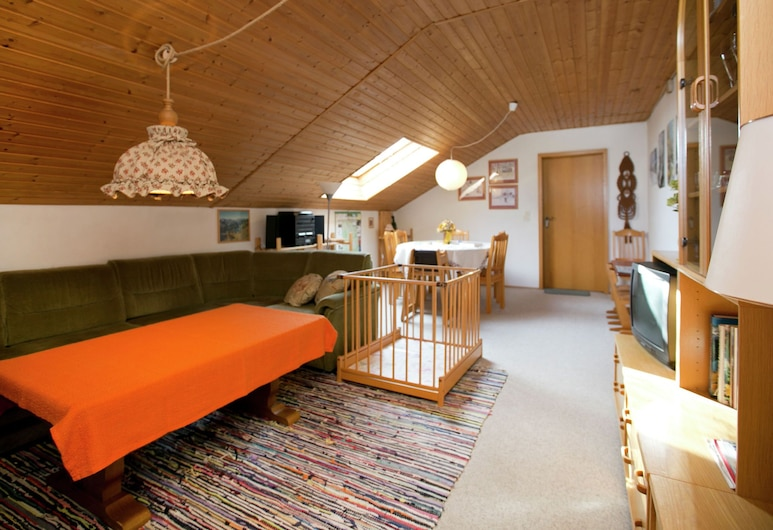 Restful Holiday Home Near Ski Lift in Petersthal, Oy-Mittelberg, Living Room