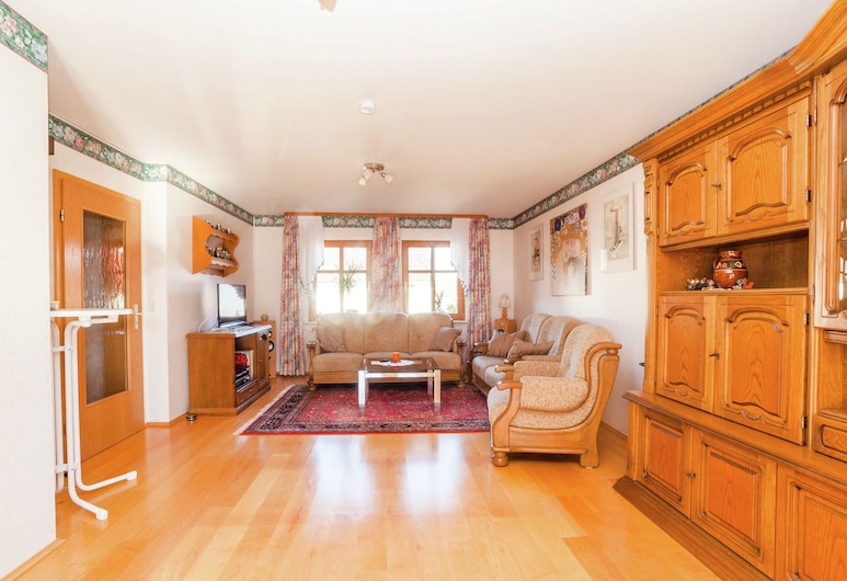 Apartment in the Kellerwald National Park, With Balcony and Easy Access to a Host of Destinations, Jesberg, Apartment, Living Room