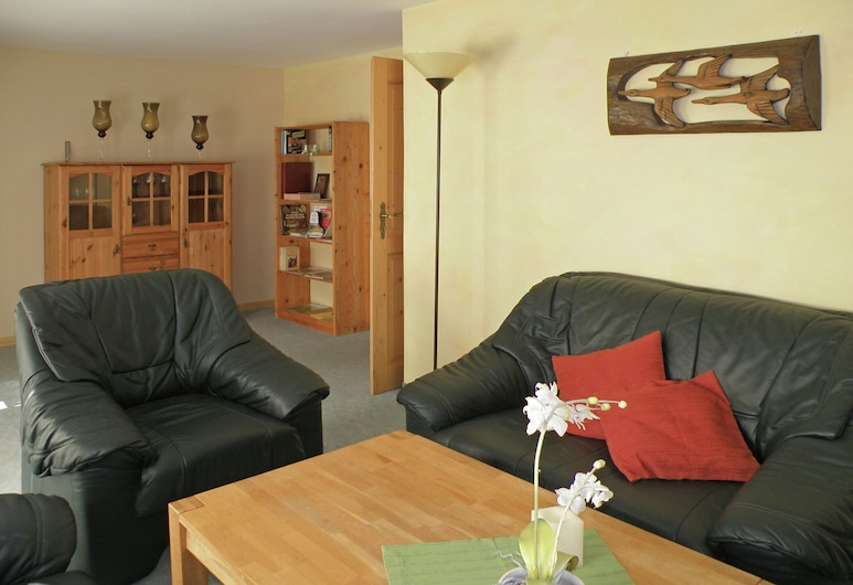 Beautiful Apartment in Wolfshagen im Harz With Gym and Balcony, Langelsheim, Apartamento, Sala de estar