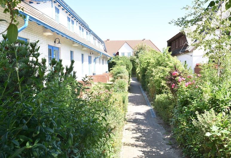 Lovely Apartment in Börgerende-rethwisch Near Baltic Sea, Börgerende-Rethwisch, Jardín