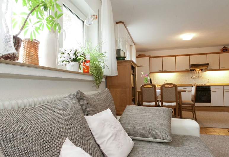A Spacious and Well Kept Holiday Home at the Foot of the Schwarzer Mann, Sellerich, Private kitchen