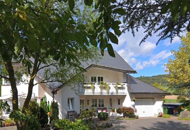 Modern Apartment in Reiste Near Forest, Eslohe