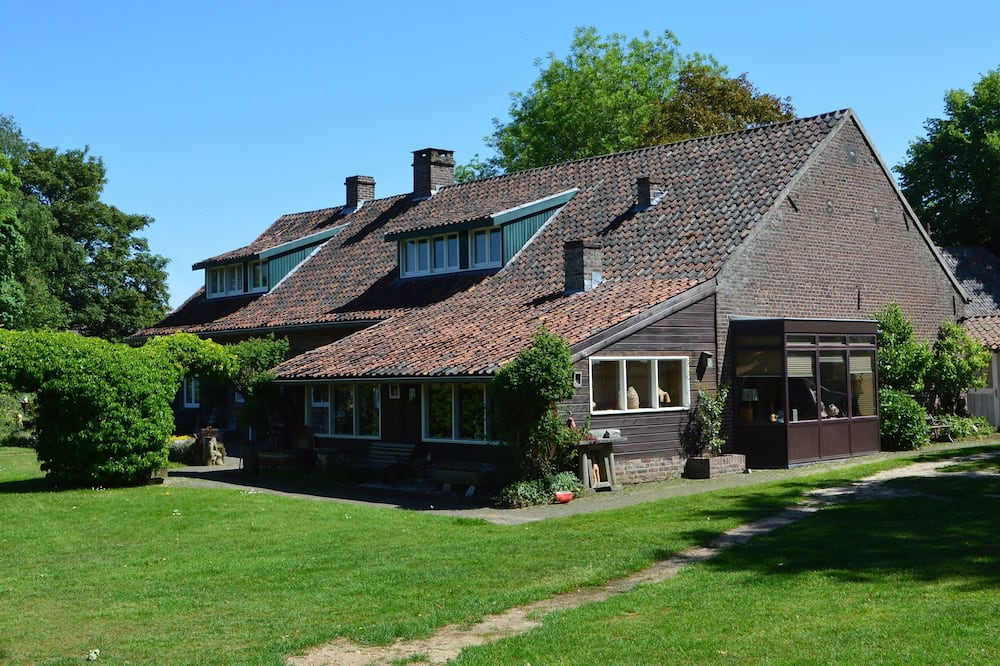 Holiday Home in Lottum With Terrace,garden,bbq,pond, Parking