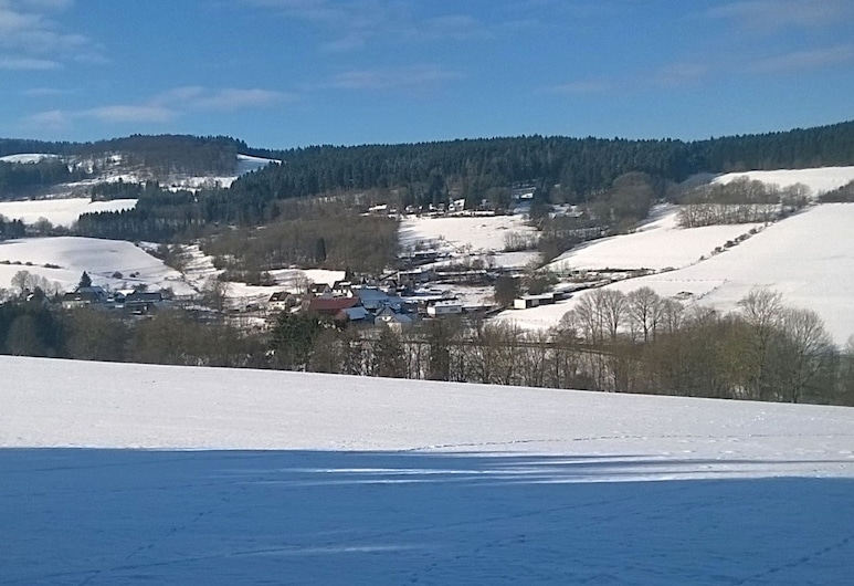 Modern Apartment Between Winterberg and Willingen With Balcony, Medebach, Exterior