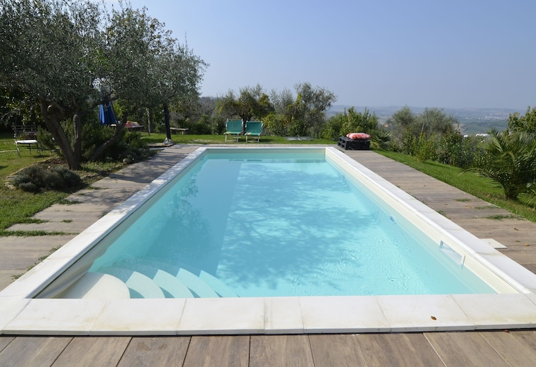 Cushy Apartment With Swimming Pool, Garden,fireplace,parking, Saludecio, Zwembad