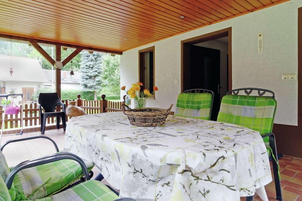 Будинок - Балкон