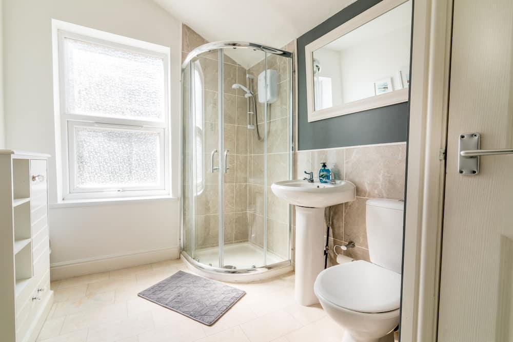 Bisneshuoneisto, 1 parisänky - Kylpyhuone