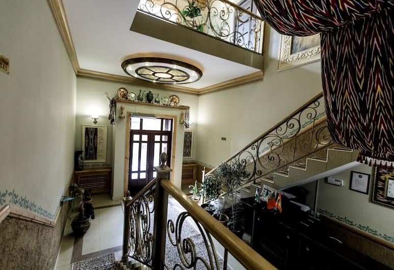 Hotel Billuri Sitora, ซามักร์แคนด์, บริเวณประตูทางเข้า