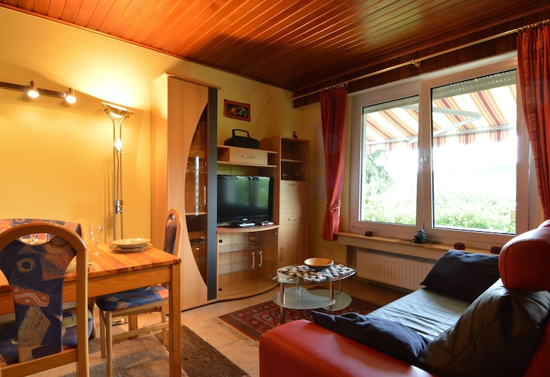 Cozy Holiday Home in Boevange-clervaux With Garden, Wincrange, House, Living Room