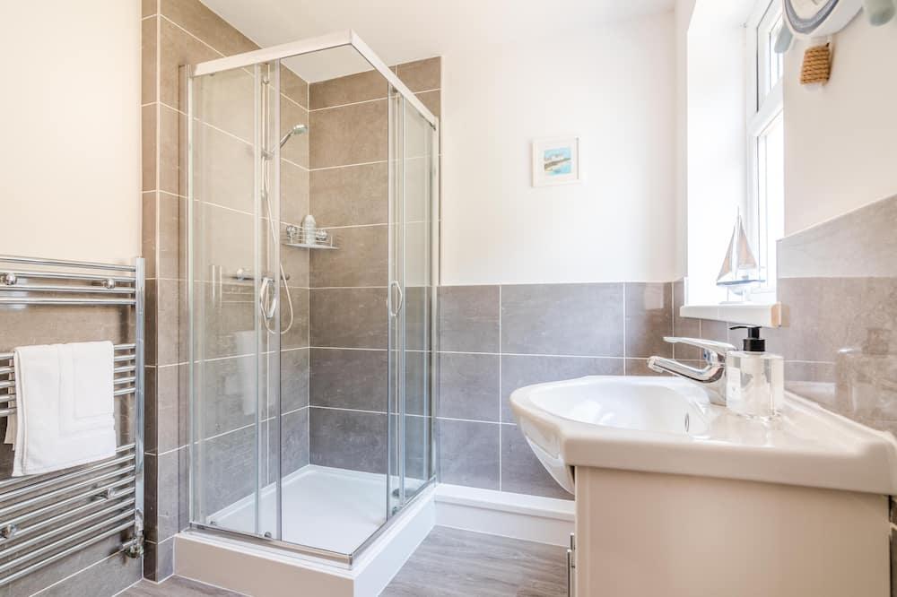 PLATFORM Port Area Apartment 1 - Bathroom
