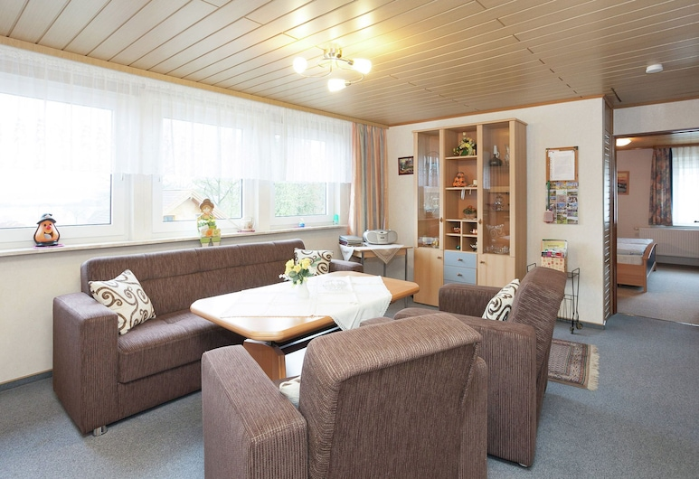Pleasing Apartment in Polle With Heating, Terrace, Barbecue, Polle, Apartment, Living Room