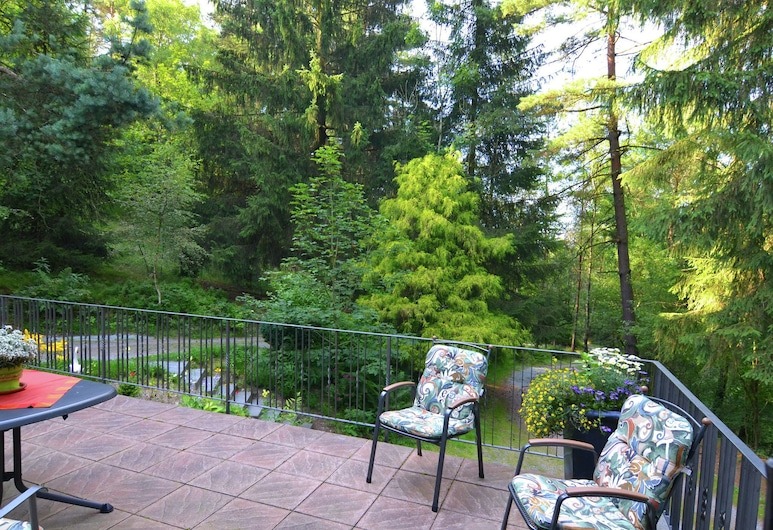 Large, Fully Equipped Holiday Home in Quiet Area at Edge of Woods, With Terrace, Bestwig, Balcony