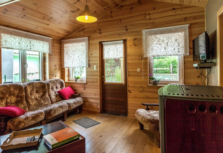 Cosy Chalet in Bomal-sur-ourthe With Terrace, Durbuy, Living Room