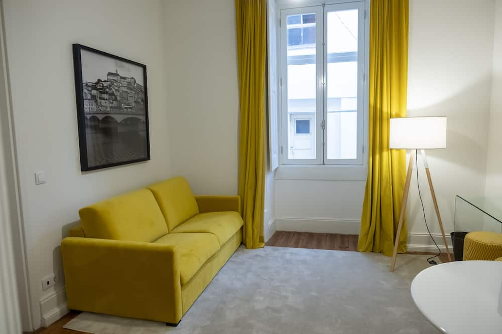 Business Suite, 1 Double Bed with Sofa bed - Living Room