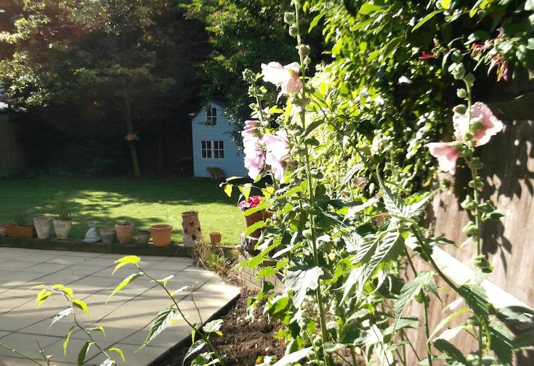 The Den, Bury St Edmunds, Κήπος