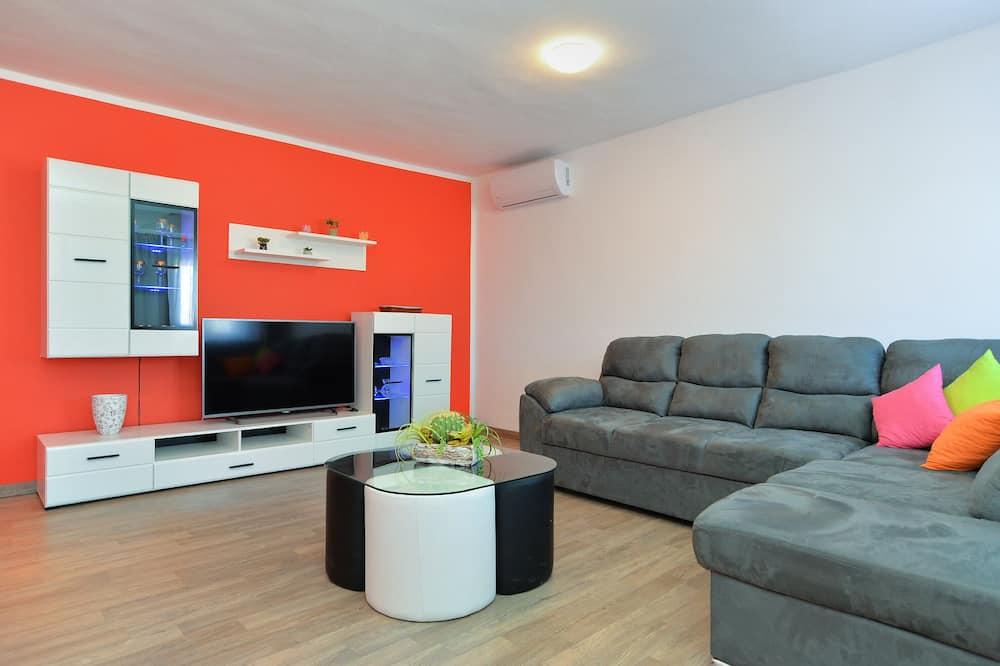 스탠다드 아파트, 침실 2개 (21495) - 거실 공간