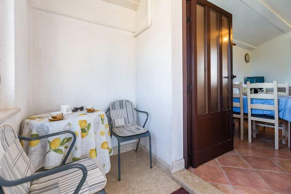 Standard Apartment, 2 Bedrooms (23028) - Living Area