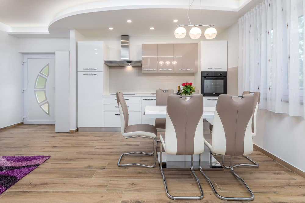 Standard Apartment, 2 Bedrooms (23101) - In-Room Dining