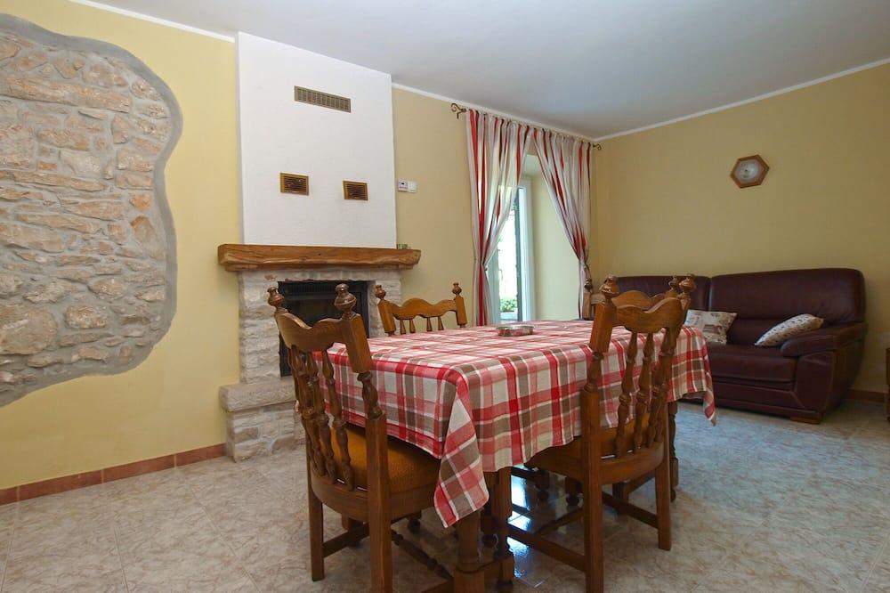 Standard House, 2 Bedrooms (23228) - Area Keluarga