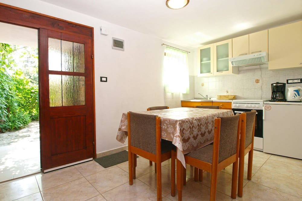 Standard House, 2 Bedrooms (23454) - In-Room Dining