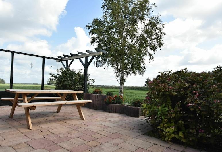Attractive Holiday Home in Blokzijl Overijssel With Garden, Blokzijl, Altan